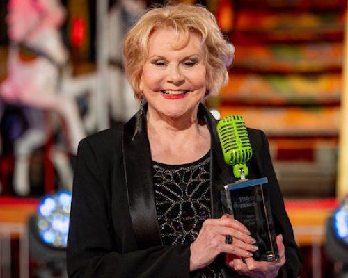 """Peggy March freut sich über den """"SWR4 Musikpreis 2020"""" © SWR/Thorsten Silz"""